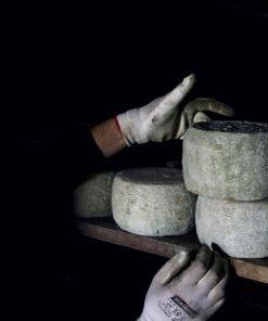 Pecorino Crotonese DOP stagionato in grotta